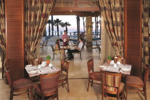 hotel-alexander-the-great-terrasse