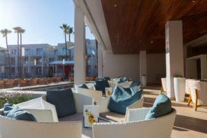 Spanien - Andalusien - Hipotels Barrosa Park - Lobby Bar Terrasse 2
